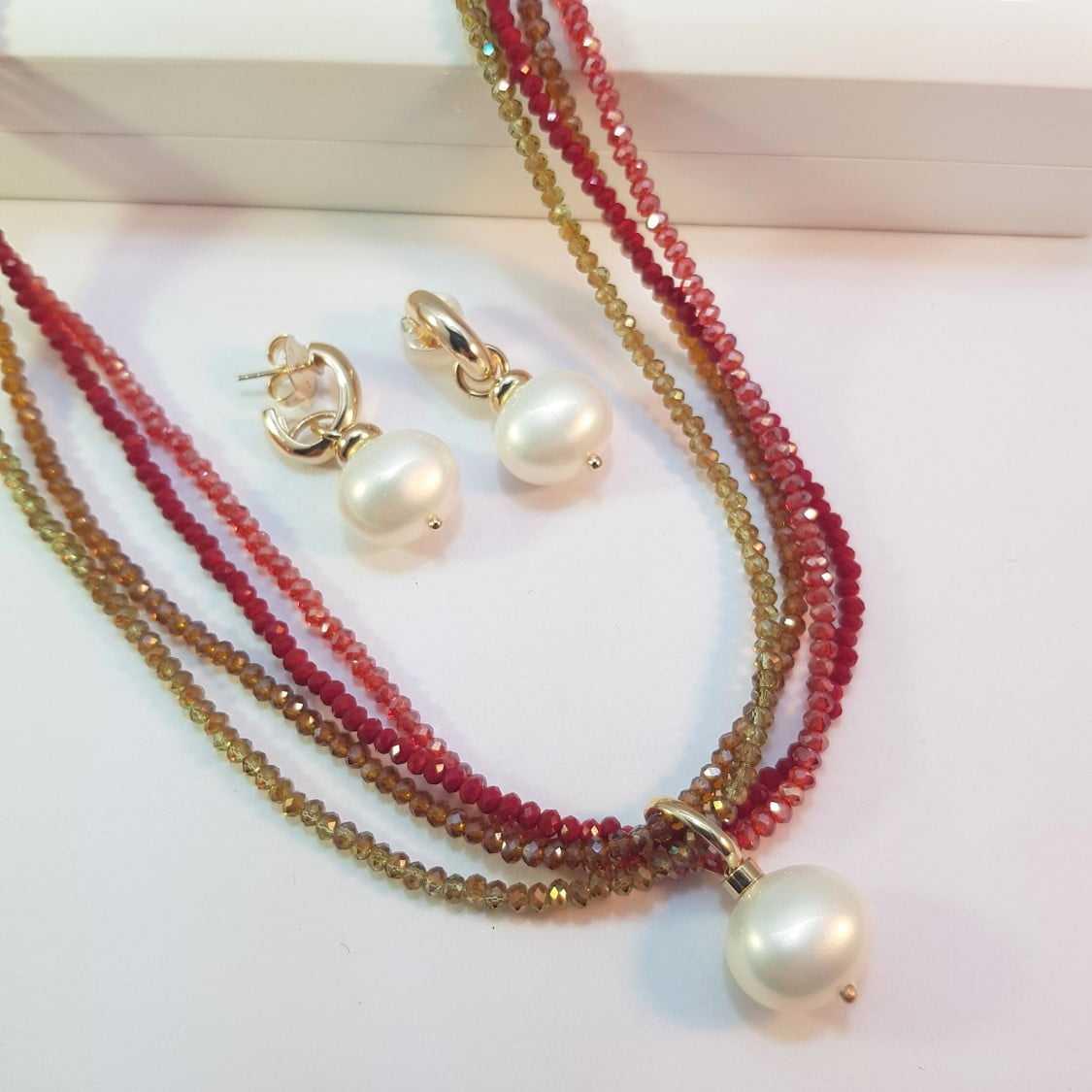 Conjunto colar curto de cristais e brincos - vermelho