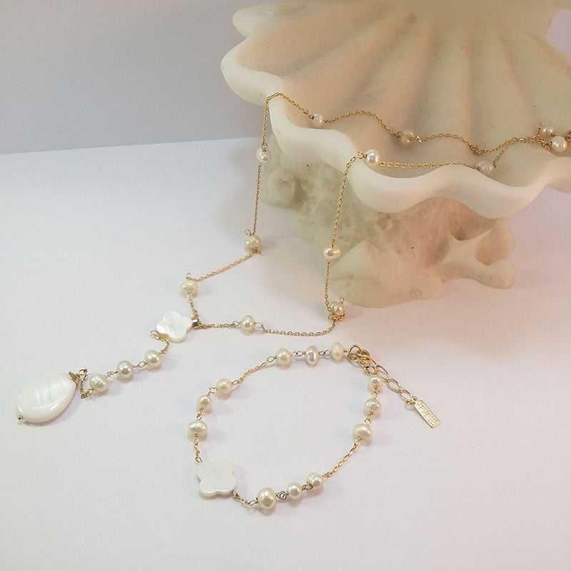 Conjunto colar e pulseira de pérola e madrepérola