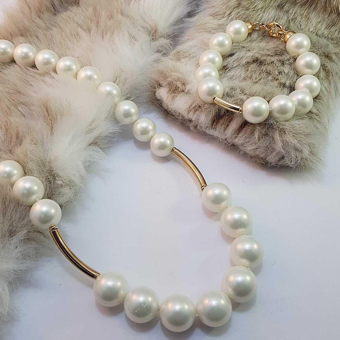 Conjunto de colar e pulseira de pérolas shell