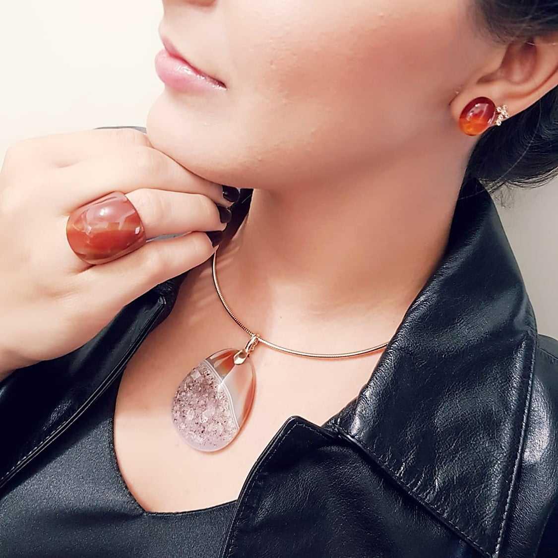 1-Conjunto Singular - pedra natural drusa ágata - colar, brinco e anel -modelo 1