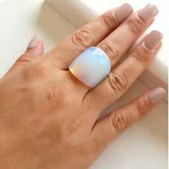 Anel pedra natural opala  (pedra da lua)