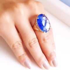 Anel cristal azul rutilado oval 25x18mm - Modelo Dama