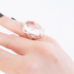 Anel cristal white oval 18x25mm , modelo lateral desenho ondulado