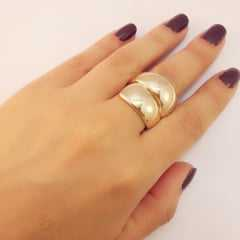 anel dourado sem pedras
