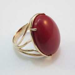 Anel pedra oval vermelha- sintética
