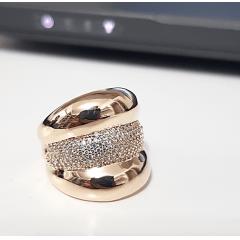 anel Lumini com zircônias