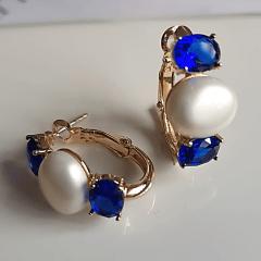 1-Brinco argola com cristais ovais azul safira e pérola mabe shell