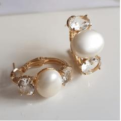 Brinco argola com cristais ovais white e pérola mabe shell