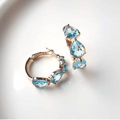 Brinco argola com cristais gota - modelo Anna - azul aquamarine