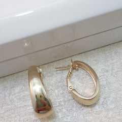 brinco argola oval dourado largo - 8x24mm