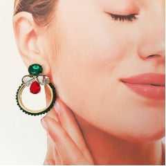 Brinco argola luxo com bordado de cristais verde turmalina