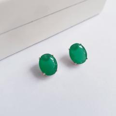 Brinco botão oval de cristal verde esmeralda 8x10mm