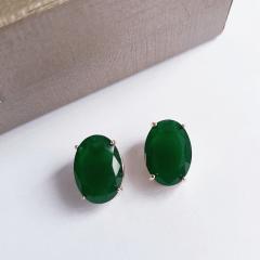 Brinco botão oval de cristal verde floresta 10x15mm