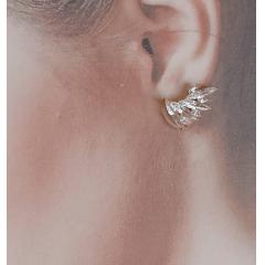 Brinco earcuff de zircônias