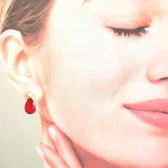 Brinco gota de cristal vermelho rubi