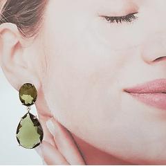 Brinco grande de cristal  gota - verde oliva -