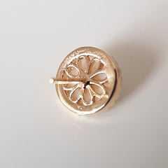Brinco pérola botão - shell 8mm com zircônias