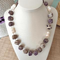 1-Colar pedras naturais ametista e pérola