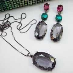 Brinco e colar curto com pingente cristal cor tanzanita: conjunto