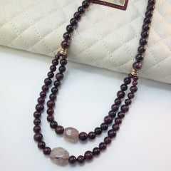colar pedras naturais granada e quartzo morango