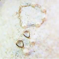 Conjunto pulseira + brinco de pérolas barrocas