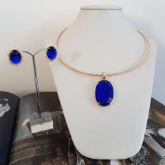 Conjunto colar aro + brinco bordado - safira