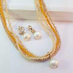 Conjunto colar curto de cristais e brincos - amarelo