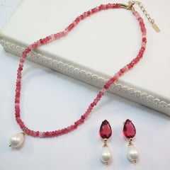 1- Conjunto colar curto pedras naturais e par de brincos
