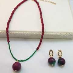 Conjunto colar curto e par de brincos 2