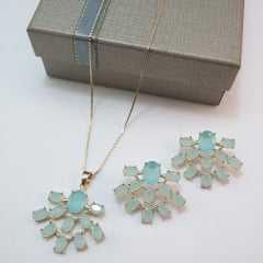 Conjunto colar e brinco de azul leitoso