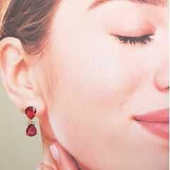 Conjunto Bella de cristais gota rosa turmalina - colar e brinco