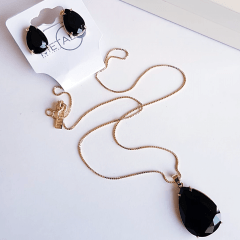 Conjunto gota colar e brinco de cristais preto ônix