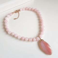 Conjunto colar Resort e brinco de quartzo rosa e pingente ágata
