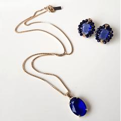 Conjunto de cristal azul safira bordado