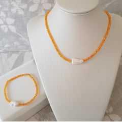 1-Conjunto colar curto e pulseira com cristais e pérolas