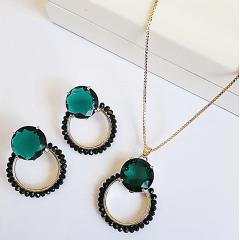 Conjunto cristal verde turmalina com bordado - colar curto e brinco
