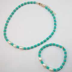Conjunto de Colar e pulseira- pérolas e cristais