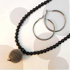 conjunto pedra natural - bolas lisas de ágata preta com pingente bola em rodio negro