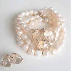 Conjunto pulseira bracelete e brinco com cristais rutilo e pérolas barrocas