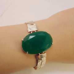 Pulseira bracelete - centro pedra oval