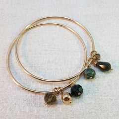 pulseira de elos com penduricalhos- verde militar