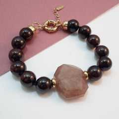 Pulseira de pedras granada e quartzo morango